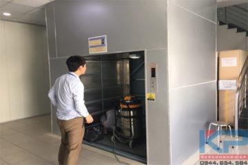 Thi công thang tải hàng kèm người tại Quảng Ninh