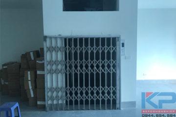 Thang tải hàng 500kg- 2 điểm dừng tại công ty Dược Phẩm