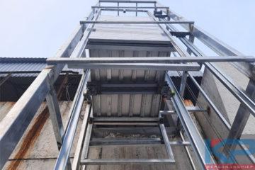 Thang tải thực phẩm 250kg-4 tầng